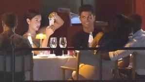 Вечерта на Роналдо и Джорджина: Разходка и романтична вечеря (снимки)