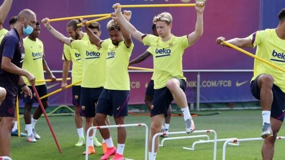 От Барселона разкриха за играч с позитивен тест за...