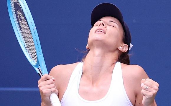 """Невероятна! Пиронкова проби """"стената"""" Корне и е на 1/4-финал срещу Серина Уилямс (видео+галерия)"""