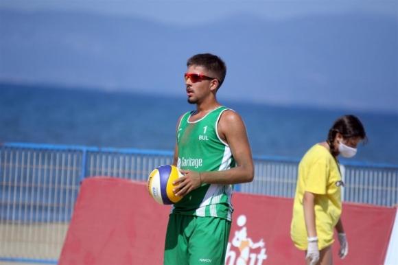 Стефан Въртигов и Мартин Наков продължават напред на Евро 2020 по плажен волейбол за юноши до 18 години