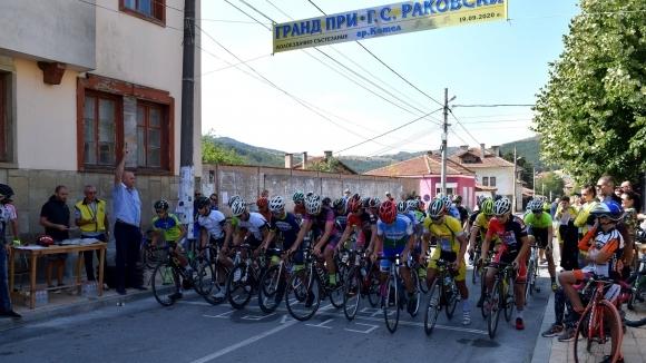 Над 140 колоездачи от цялата страна участваха в...