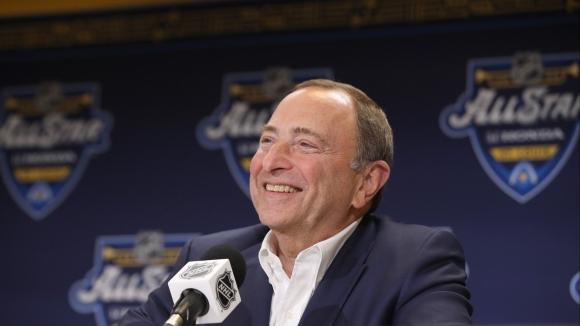 Комисарят на НХЛ очаква пълен сезон и традиционни...