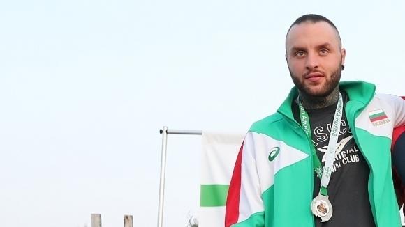 Марк Славов постави нов национален рекорд на копие