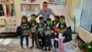 Лудогорец зарадва деца на социално слаби родители