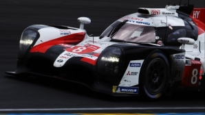"""Toyota с трета поредна победа в """"24-те часа на Льо Ман"""""""