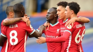 Два гола на Мане срещу 10 от Челси охладиха амбициите на един от големите конкуренти на Ливърпул (видео)