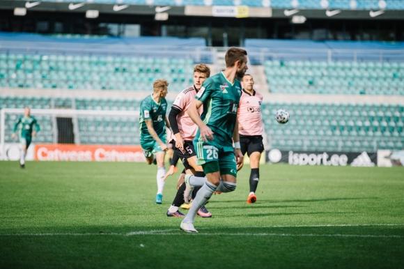 В Естония смениха футболист в 13-ата секунда