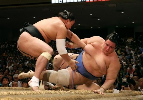 Аоияма загуби схватката си от 11-ия кръг в Токио