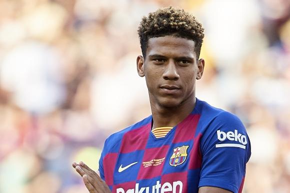 Фулъм се прицели в играч на Барселона