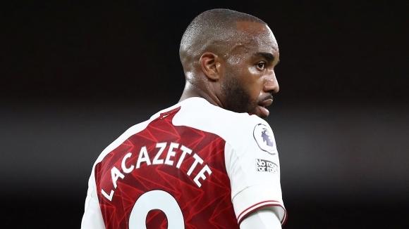 Арсенал готов да се раздели с Лаказет, за да събере...