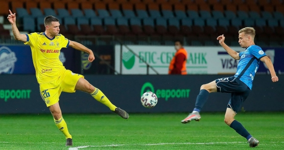 Динамо (Брест) удари БАТЕ със скандален гол преди...