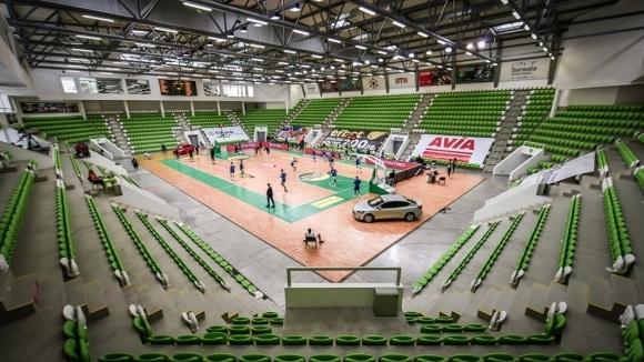 Спортните зали ще приемат до 50% от капацитета си от 1...