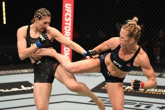 Холи Холм с поредна доминация в UFC (видео + снимки)