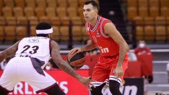 Олимпиакос и Везенков постигнаха втори успех в Евролигата (видео)