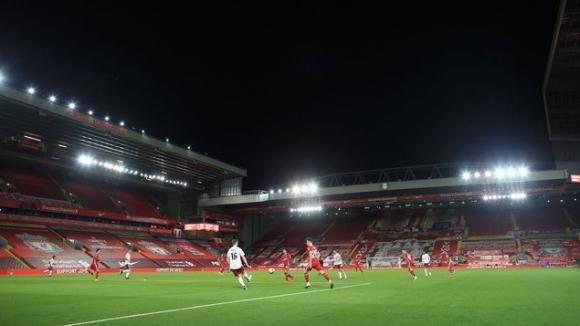 Английският парламент ще обсъди връщането на феновете на стадионите на 9 ноември