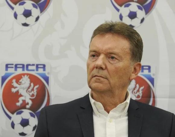 Арестуваха вицепрезидента на чешкия футбол по подозрение в корупция