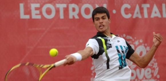 17-годишен испанец не спира с победите (видео)