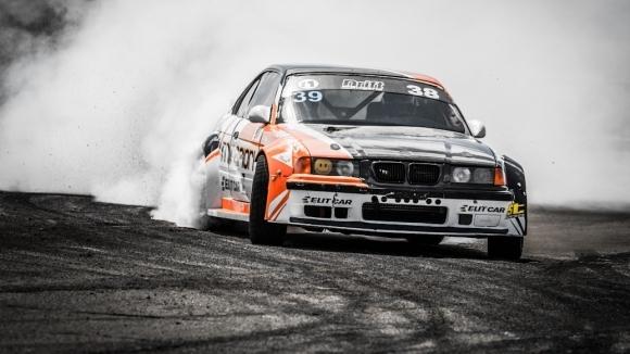 """Напрегнато състезание в BMW Cup и дрифт шоу този уикенд на писта """"Дракон"""""""