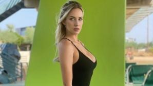 Секси голфърка прекали с деколтето (видео)