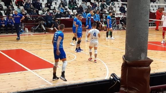 Волейболистите на Дунав под карантина, треньор и играчи с COVID-19