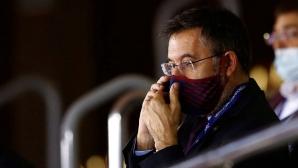 Бартомеу не замина с Барса за Италия, пак очакват оставката му