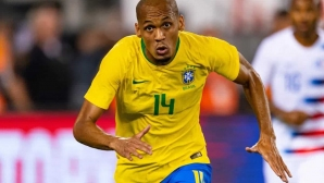 Бразилия без Фабиньо в световните квалификации, Неймар и Алекс Телес остават под въпрос