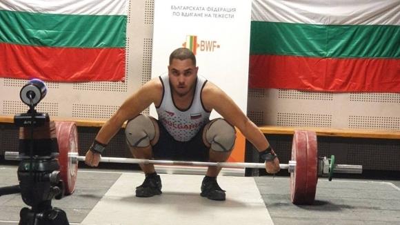 България завърши със злато и бронз на онлайн Световната купа по щанги