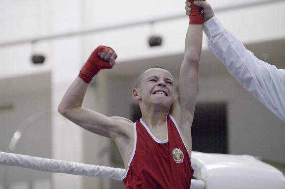 Ясен Радев е финалист на Европейското по бокс за юноши