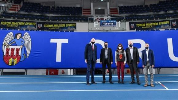 Делегация на ЕА инспектира залата в Торун 100 дни преди Европейското по лека атлетика