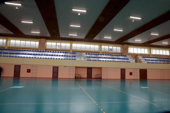 Министър Кралев откри обновената зала по хандбал в НСА
