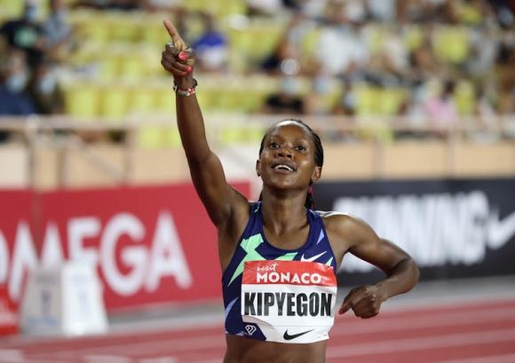 Олимпийската шампионка на 1500 м Кипиегон сменя дисциплината след Токио