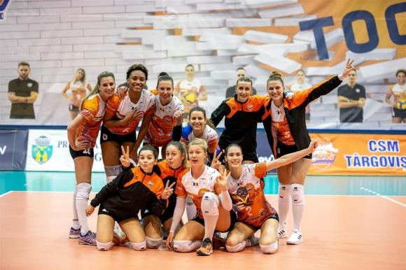 Гери Димитрова и Мария Йорданова на 1/8-финал за Купата на CEV (снимки)