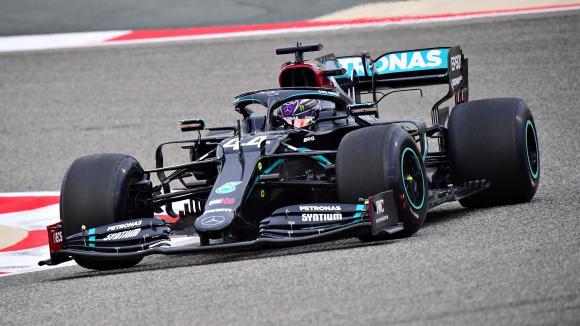 Хамилтън най-бърз в първата тренировка за Гран При на Бахрейн