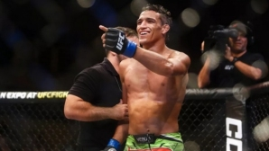 Оливейра обеща да шокира света във войната с Фъргюсън на UFC 256