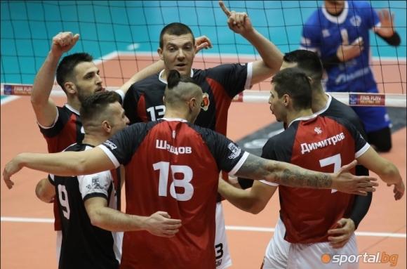 Български волейболист ще продължи кариерата си в...