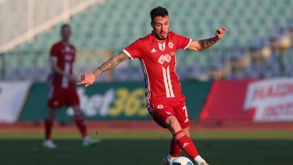 Бивш футболист на ЦСКА-София напира да се връща в клуба