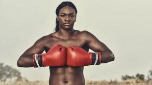 Голяма шампионка в бокса подписа с ММА организация