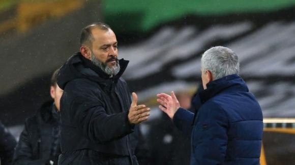 Мендеш търси нов клуб на Нуно Еспирито Санто, предлагал го на Арсенал