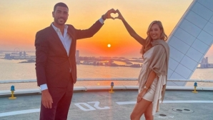 Бивш италиански национал се сгоди за модел на бельо (видео + снимки)