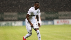 """Нападател на Лудогорец грабна приза за """"Футболист на годината"""" в Конго"""