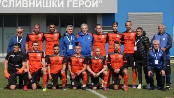 Две победи и равенство срещу мъжки тим за юношите на Левски