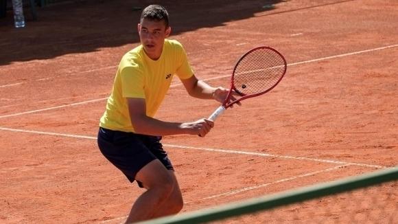 Динко Динев триумфира с титлата на двойки на турнир в Турция