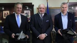 """Министър Кралев присъства на връчването на наградите за спортна журналистика """"Люпи и Мичмана"""""""