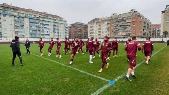 Двама футболисти от Торино са с положителни проби за коронавирус