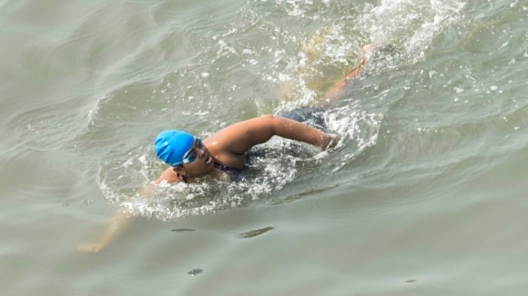 12-годишно момиче с аутизъм изплува 36 км в Арабско море