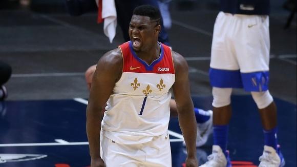 Скандални съдии почти развалиха мача на сезона в НБА