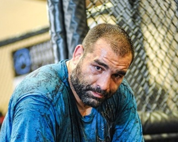 Контузия спира Багата за мач срещу Марчин Тибура в UFC