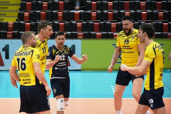 Дунав игра силно, но Хебър е на полуфинал за Купата на България (галерия)