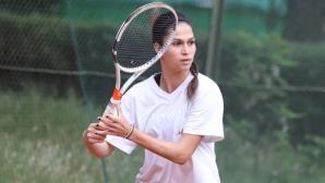 Шиникова се класира за втория кръг на турнир по тенис в Москва