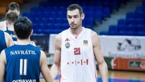 Александър Янев и Бърно спечелиха инфарктен мач в Чехия
